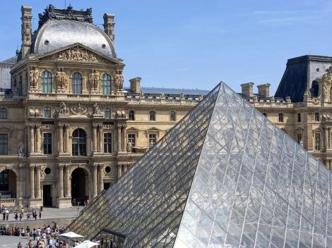 Paris Seinorama - City Tour, River Seine Cruise & the Eiffel Tower