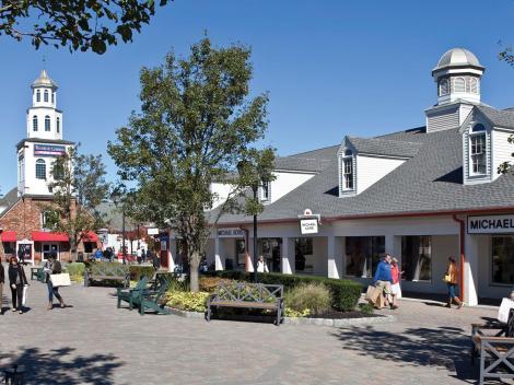 Woodbury Common Shopping Tour