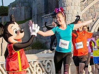 Corra a meia-maratona Disneyland Paris este ano