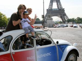 Passeio de Citroën 2CV pelos Clássicos de Paris