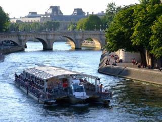 Cruzeiro com Almoço por Paris