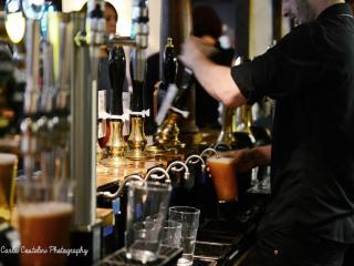 Pub Crawl em Londres com Guia Brasileiro