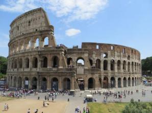 Passeio em ônibus Hop-on/Hop-off mais acesso corta-fila no Coliseu